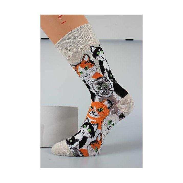 3 páry barevné ponožky...