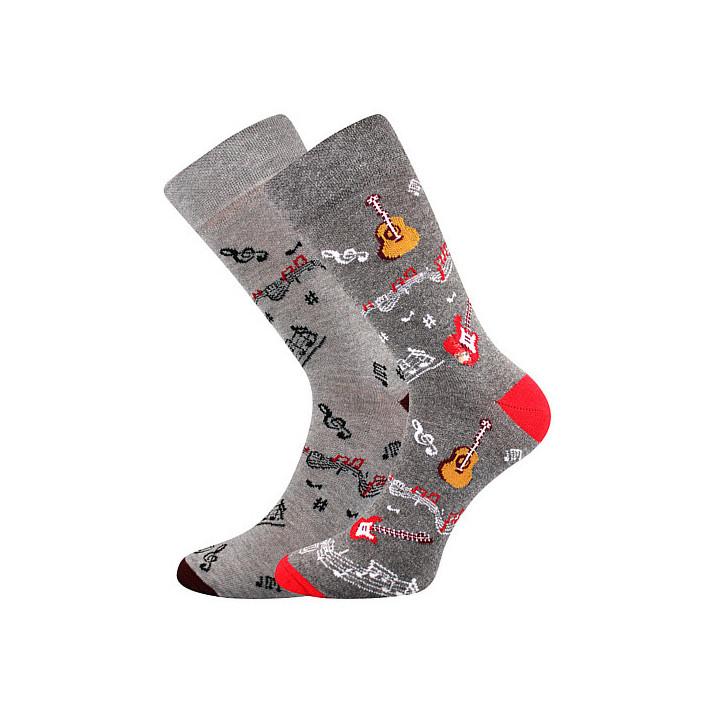 Barevné ponožky hudba