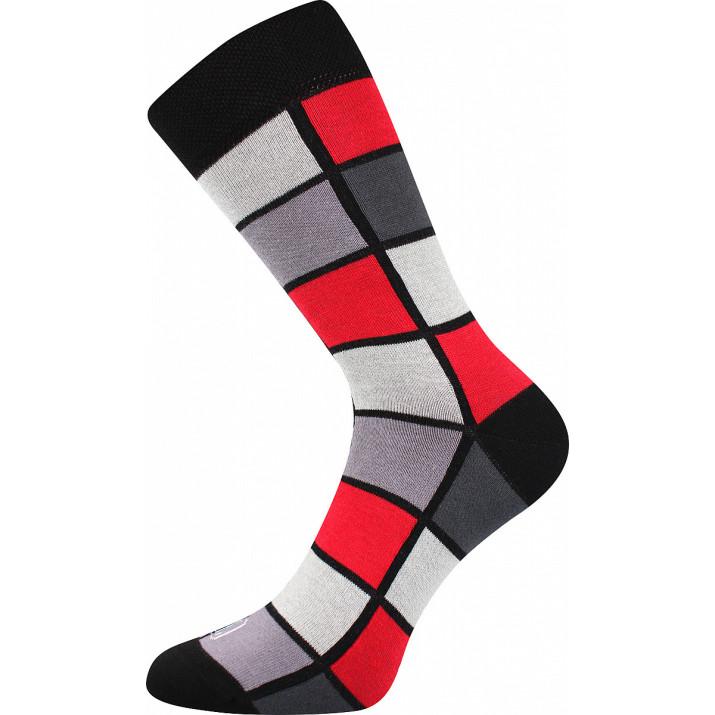 Barevné ponožky kostky červené